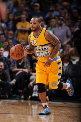 DENVER, CO - APRIL 4:  Jameer Nelson #28 of the Denver Nuggets brings the ball up court against the Los Angeles Clippers on April 4, 2015 at the Pepsi Center in Denver, Colorado.  Copyright 2015 NBAE (Photo by Garrett Ellwood/NBAE via Getty Images)